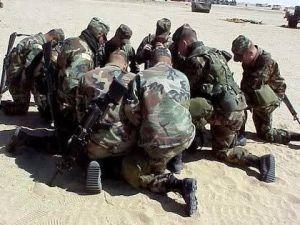 soldiers praying
