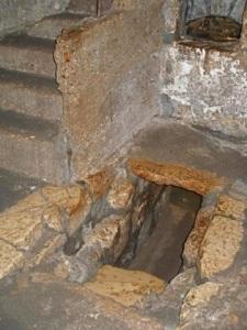 tomb of lazarus 2