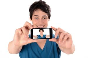 (selfie) man-taking-selfie